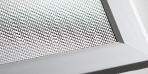 lichtschachtabdeckungen licht und luft ohne schmutz insektenschutz f r fenster und t ren. Black Bedroom Furniture Sets. Home Design Ideas
